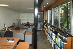 07_shipping-container-architecture-office-interior_04